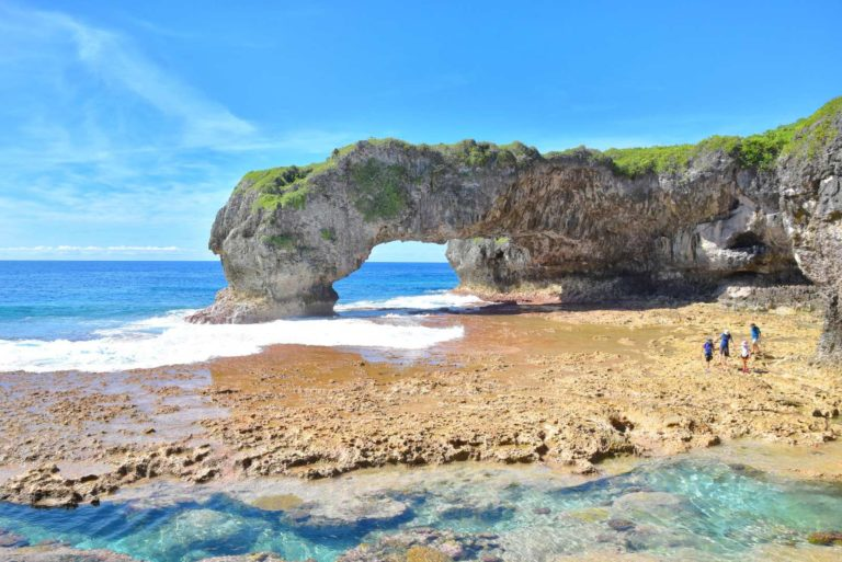 8 Best Sea Tracks & Places to Swim in Niue for Kids